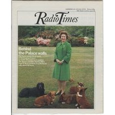 RT 2748 - 8 July 1976 (10-16 Jul) (London) THE QUEEN'S GARDEN (BBC1) Behind the Palace Walls. With cover photo of the Queen and corgis.