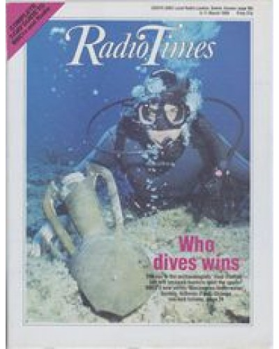 RT 3353 - 5-11 March 1988 DISCOVERIES UNDERWATER (BBC2) with cover photo of a diver under water.