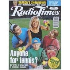 RT 3728 - 1-7 July 1995 WIMBLEDON 95 - Week 2 ( BBCtv and Radio 5 Live) Sue Barker with children.