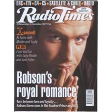 RT 3852 - 29 November-5 December 1997 (North West) THE STUDENT PRINCE (BBC1) with cover photo of Robson Green