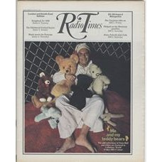 RT 2441 - 20 August 1970 (22-28 Aug) (Midlands & East Anglia) COLLECTORS' WORLD (BBC2) with cover photo of Peter Bull with his many teddy bears.