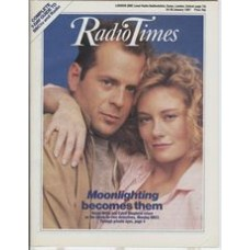 RT 3296 - 24-30 January 1987 (West) MOONLIGHTING (BBC2) with cover photo of Bruce Willis and Cybill Shepherd.