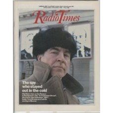 RT 3133 - 26 November-2 December 1983 (London) AN ENGLISHMAN ABROAD (BBC1) with cover photo of Alan Bates in Alan Bennett's Film.