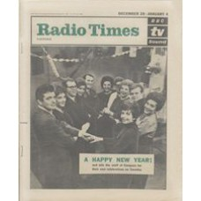 RT 2042 - December 27, 1962 (Dec 29-Jan 4, 1963) (London) NEW YEAR / COMPACT (TV) with cover photo of the 'staff' of Compact.
