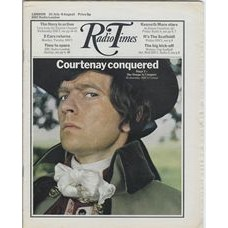 RT 2490 - 29 July 1971 (31 Jul-6 Aug) (East Anglia) SHE STOOPS TO CONQUER (BBC2) with cover photo of Tom Courtenay.