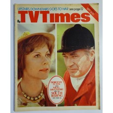 TVT 1974/38 - September 14-20, 1974 (London) SOUTH RIDING - with cover photo of Dorothy Tutin and Nigel Davenport