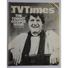 TVT 1974/40 - September 28 - October 4, 1974 (Emergency Edition - South) [No colour] THE TOMMY COOPER HOUR - with cover photo of Tommy Cooper.